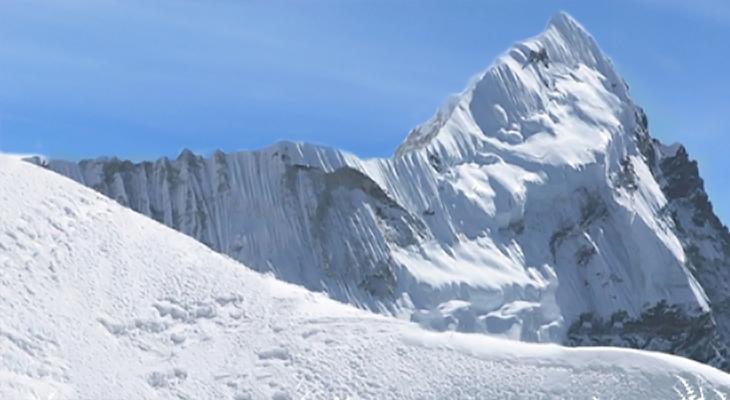 Pacharmo Peak